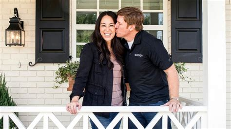 chip and joanna gaines chip and joanna gaines of fixer upper on finding bargain