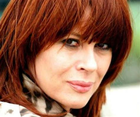 famous female rock stars dead slicing up eyeballs 80s alternative music college rock