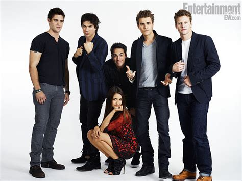 vire diaries spoilers and news part 3 the vire diaries cast pose for ew s 2012 comic con star