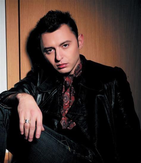 Roma Zver ? Russian singer   Russian Personalities