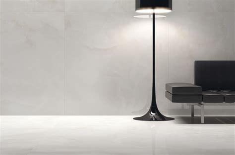 pavimento onice grandi lastre in gres porcellanato effetto marmo onice
