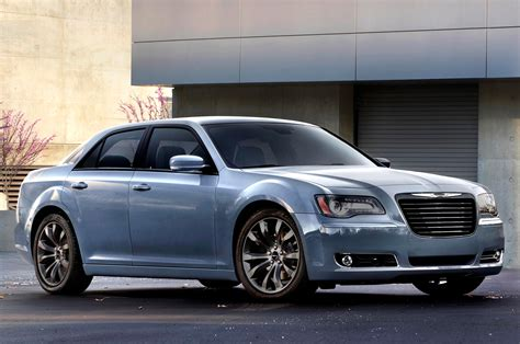 chrysler capitol chrysler 200 vs chrysler 300 which is better chrysler