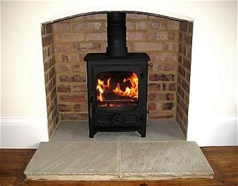 Small Fireplace Heater by Best 25 Wood Burner Ideas On Log Burner