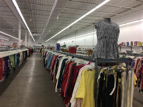Thrift Store in Paterson   Red, White & Blue Thrift