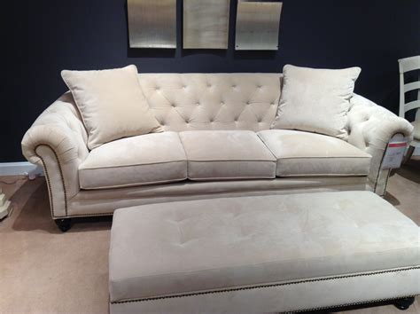 Traditional Tufted Sofa Sofa With Tufted Back Flynn Traditional Tufted Sofa