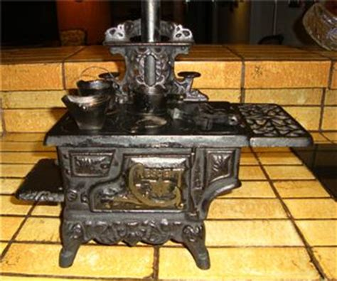 Wood Burning Stove Accessories Vintage Miniature Cast Iron Wood Burning Stove By Crescent