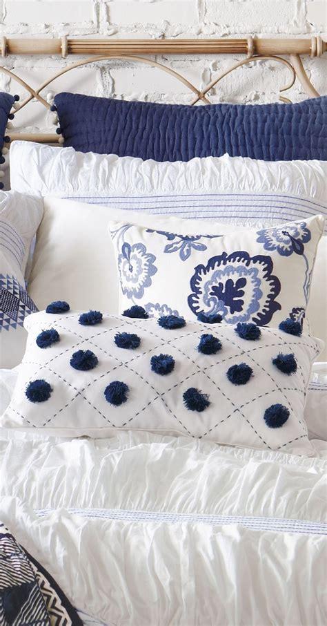 large throw pillows for sofa throw pillows accent pillows for sofa stunning large