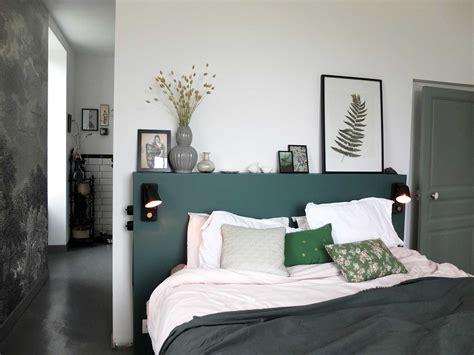 faire une tete de lit avec une planche en bois fabriquer une tete de lit avec des tasseaux leroy merlin