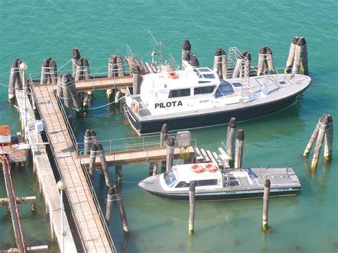 piloti porto i piloti porto di venezia porto di venezia