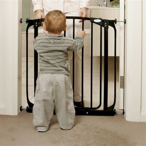 baby gates that swing open dreambaby swing closed security baby gate baby child