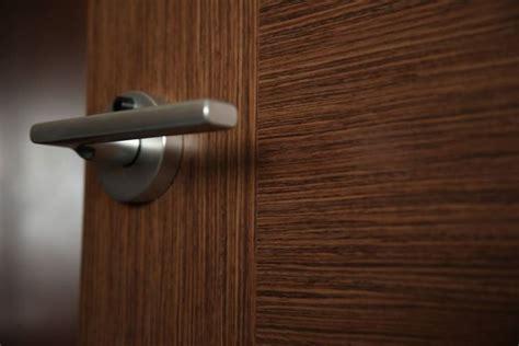 come montare porte interne montare porte in legno le porte come montare le porte