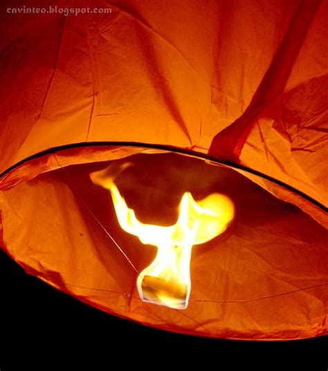 How To Make A Sky Lantern Out Of Paper - entree kibbles release the sky lantern 許願天燈 make a
