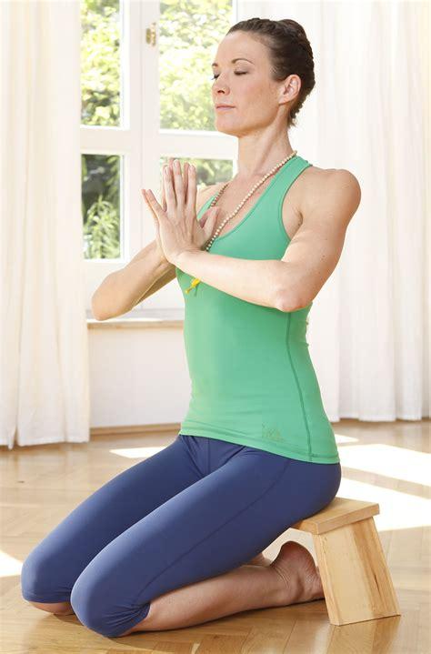 banqueta yoga banqueta de meditaci 243 n aliso cl 225 sica en yogishop comprar