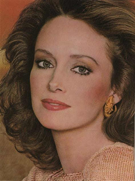 pictures of karen graham hairstyles karen graham face of estee lauder cosmetics 1970s