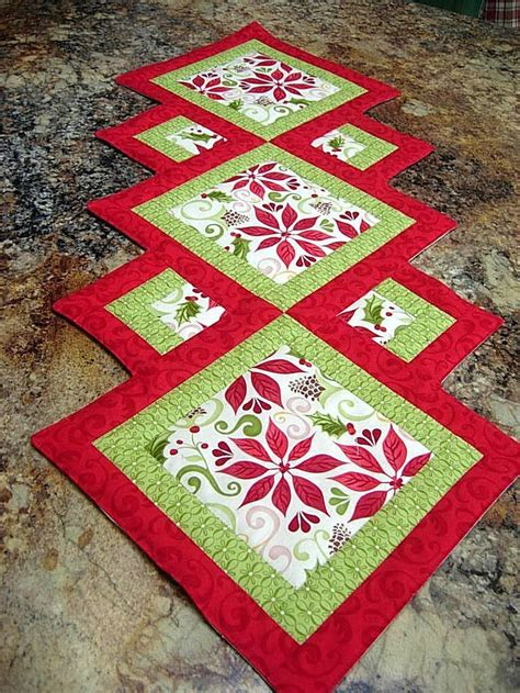 holiday runner ideas christmas runner quilting ideas pinterest