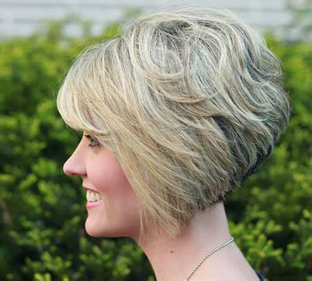 cut side hair into swimg 20 flawless short stacked bobs to steal the focus instantly