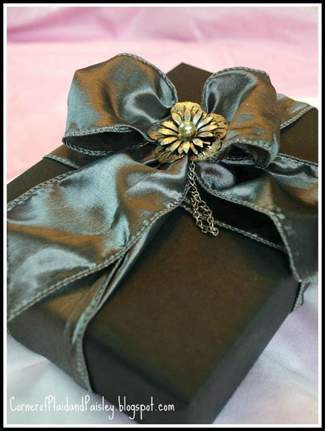 images of gift wrapping diy gift wrapping 2099347 weddbook