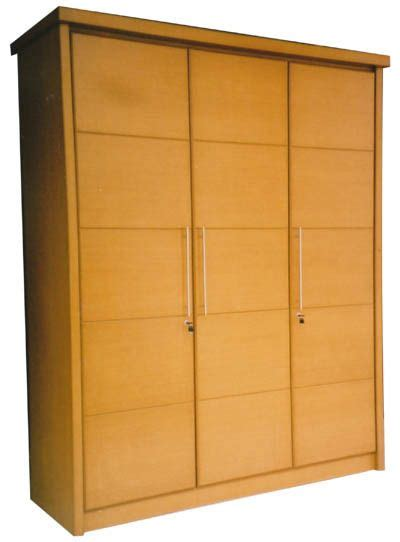 Lemari Sliding 3 Pintu lemari pakaian 3 pintu bisa anda jadikan pilihan utama tempat penyimpanan semua busana jika