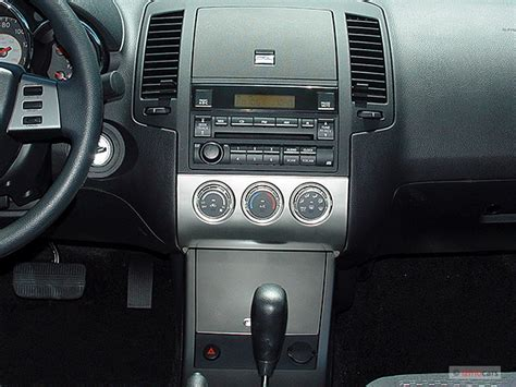 hayes car manuals 2004 nissan altima instrument cluster image 2005 nissan altima 4 door sedan 2 5 s auto instrument panel size 640 x 480 type gif