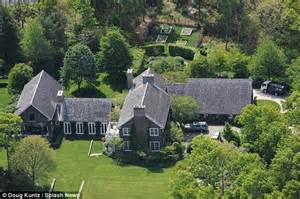 Where Does Ina Garten Live Matt Lauer S Helicopter Rides To And From His Hamptons