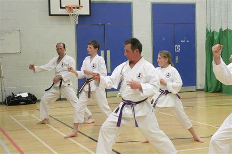 Video Tutorial Karate | karate training pics may 2013 14 dartmouth karate club