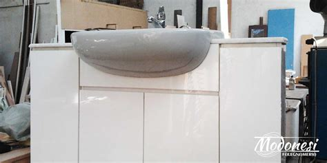mobile bagno misure mobile bagno in acrilico con effetto lucido a