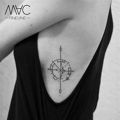 compass tattoo rib cage die besten 17 ideen zu kompass auf pinterest reise