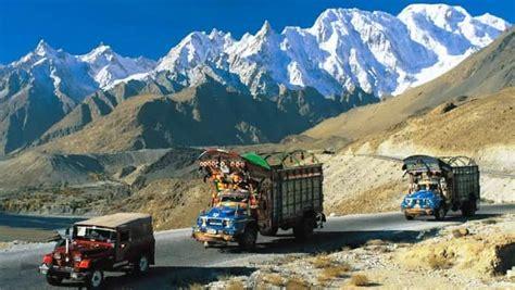 tempat wisata  pakistan mulai lembah cantik  kaki
