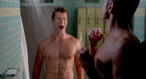 bathroom scene hot john stamos glen powell steam up scream queens with