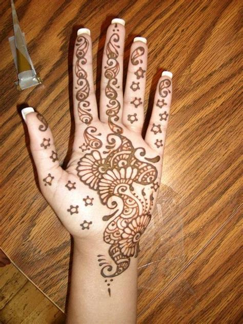 how to henna tattoo yourself 128 best henna designs images on henna tattoos