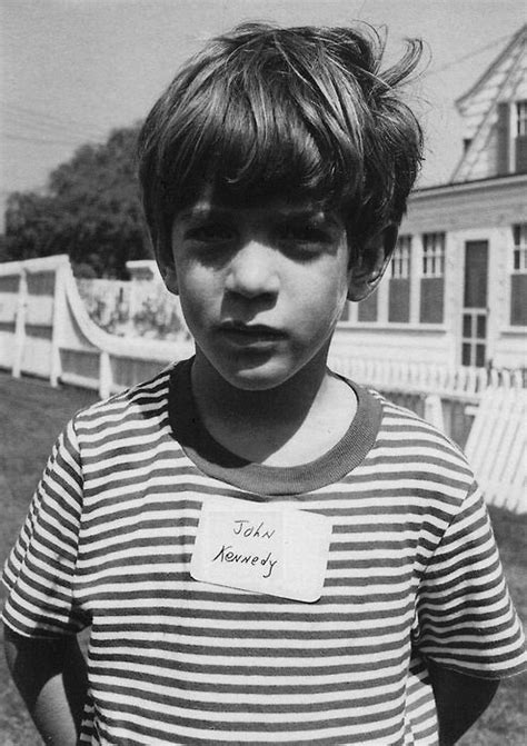 jfk jr young young john f kennedy jr photo ago pinterest posts