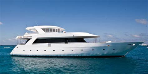 Length Of 8 Person Dining Table by Atoll Challenger Charter Boat Surfatoll Maldives Surf Trips