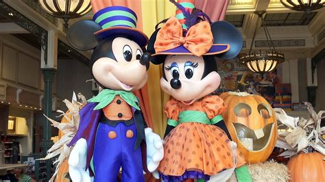 disney merchandise preview 2016 at magic kingdom mickey minnie pumpkin emporium