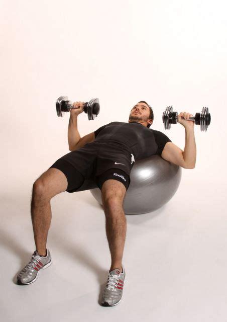 press de pecho  mancuernas  fitball ejercicios