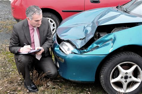 Auto Damage Appraiser by Diminished Value Or Total Loss Appraisals In Fresno Ca