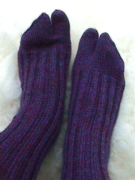 knitting pattern japanese tabi socks split toe tabi thong socks by jackiees craftsy