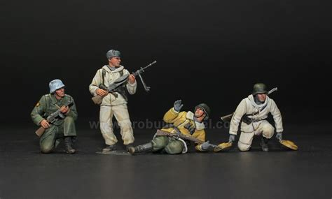Resin Figures 135 Wss Panzer Commander Kursk 1943 17 best images about 1 35 pro built model figures on models soldiers and snipers