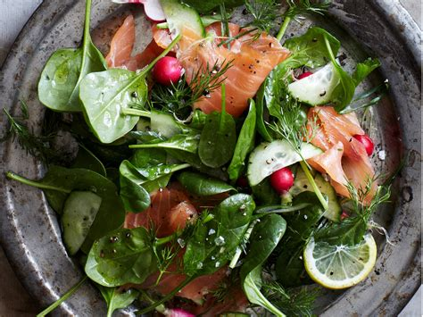Comfort Food Spinach And Smoked Salmon Salad With Lemon Dill Dressing