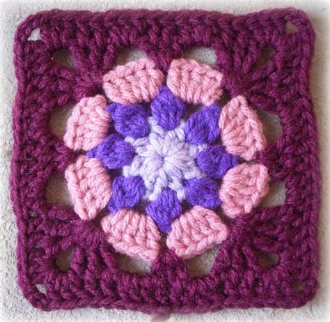 pattern crochet granny zooty owl s crafty blog eight petal granny square pattern