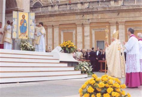 ufficio celebrazioni liturgiche c 230 remoniale romanum liturgia et mores curi 230 230