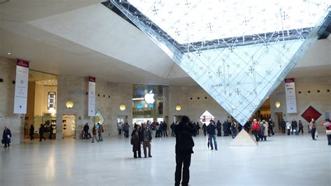 paris apple store apple opens louvre paris retail store