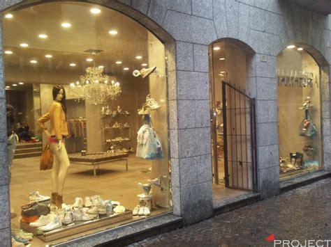 vetrine arredamento vetrine e particolari di arredamento negozi project