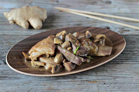 cucina con zenzero maiale con funghi e zenzero ricetta agrodolce