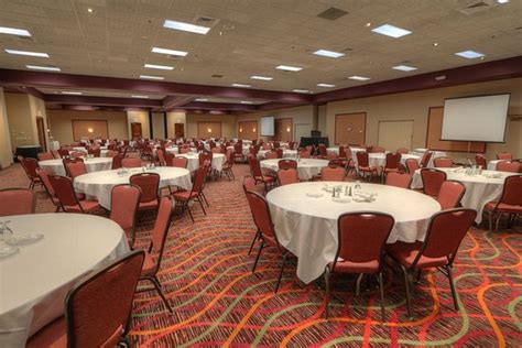comfort inn and suites mount pleasant mi comfort inn suites hotel and conference center updated