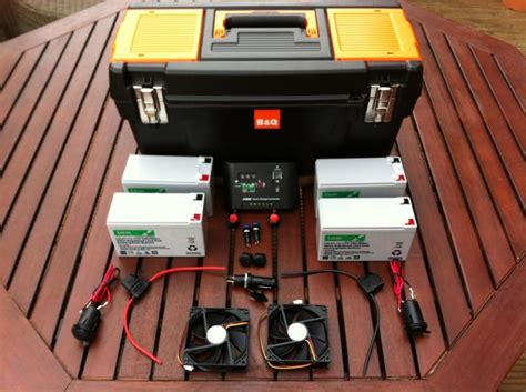 make this portable solar powered generator a survivalist