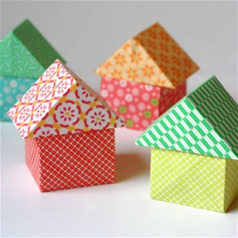 Origami Houses - origami houses could write names on for place
