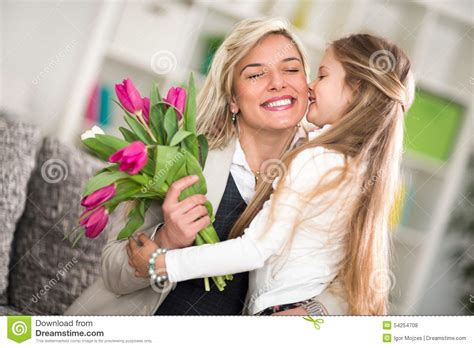 pligg mother daughter giving mother flowers foto bugil bokep 2017
