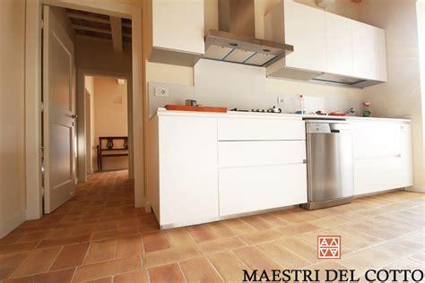 idee per ristrutturare la cucina idee per ristrutturare la cucina scegli il rivestimento in