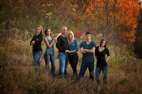 family of 5 photo ideas love this idea for older siblings photo family picture