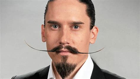 Model Rambut Farel by Bosan Dengan Gaya Kumis Anda Contek Model Keren Ini